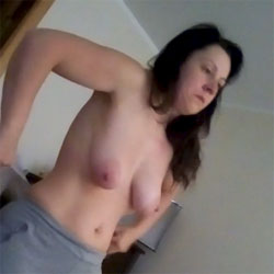 Wife Caught - Topless Wives, Big Tits, Brunette, Amateur