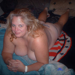 Mary On The Bed - Nude Wives, Big Tits, Mature, Amateur
