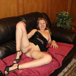 Nice Evening - Nude Girls, High Heels Amateurs, Shaved, legs spread wide open