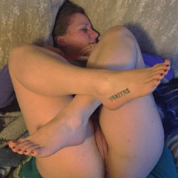 Jennifer Perfect Feet And Pussy - Wife/Wives, Amateur, fetish pics, foot pics, Mature