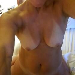 Medium tits of my girlfriend - Susie Q
