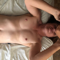 Small tits of my girlfriend - Everyday Mom making breakfast
