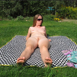 Sexy Milf Sunbathing Naked - Brunette Hair, Milf, Nude Outdoors, Sexy Ass, Amateur