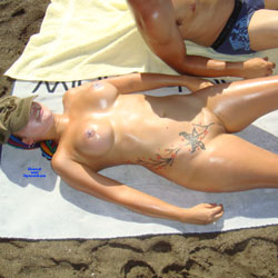 Fun At Beach - Nude Girls, Big Tits, Outdoors, Shaved, Amateur, Tattoos