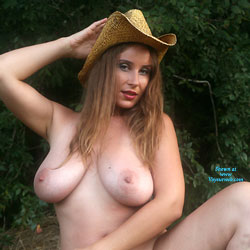 Hay Hat - Nude Girls, Big Tits, Outdoors, Bush Or Hairy, Amateur