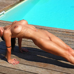 Sfizy - Yoga e Relax - Big Tits, Brunette Hair, Nude Outdoors, Naked Girl, Amateur