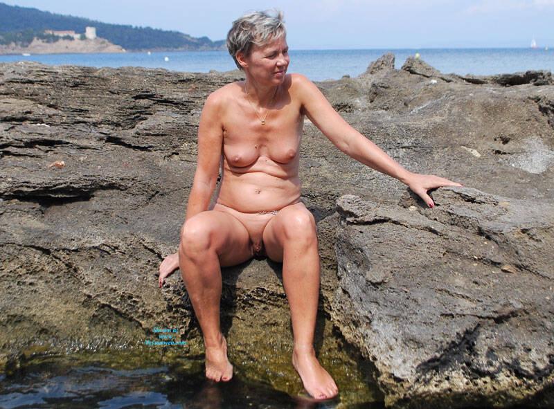 Pic #3 En Vacances - Nude Amateurs, Outdoors, Shaved