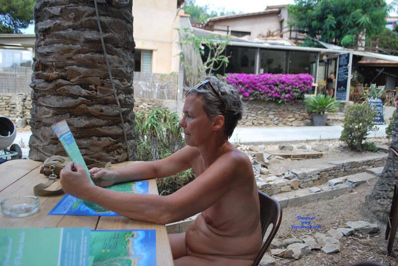 Pic #4 En Vacances - Nude Amateurs, Outdoors, Shaved
