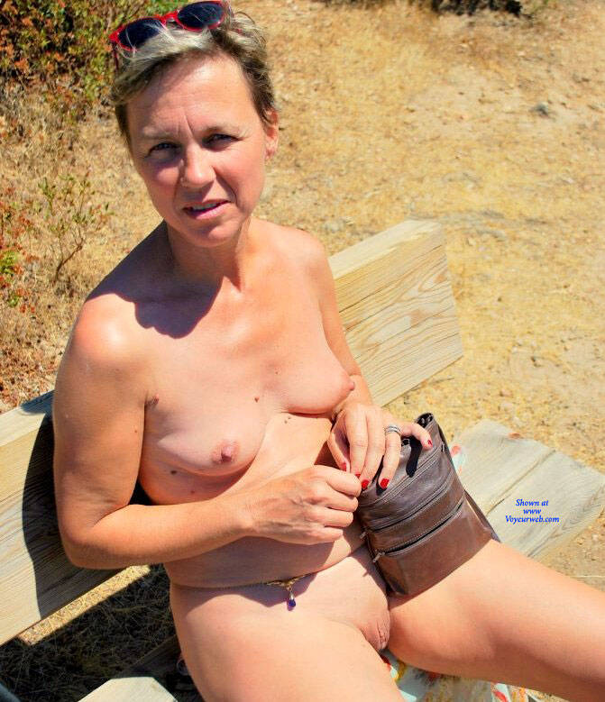 Pic #7 En Vacances - Nude Amateurs, Outdoors, Shaved
