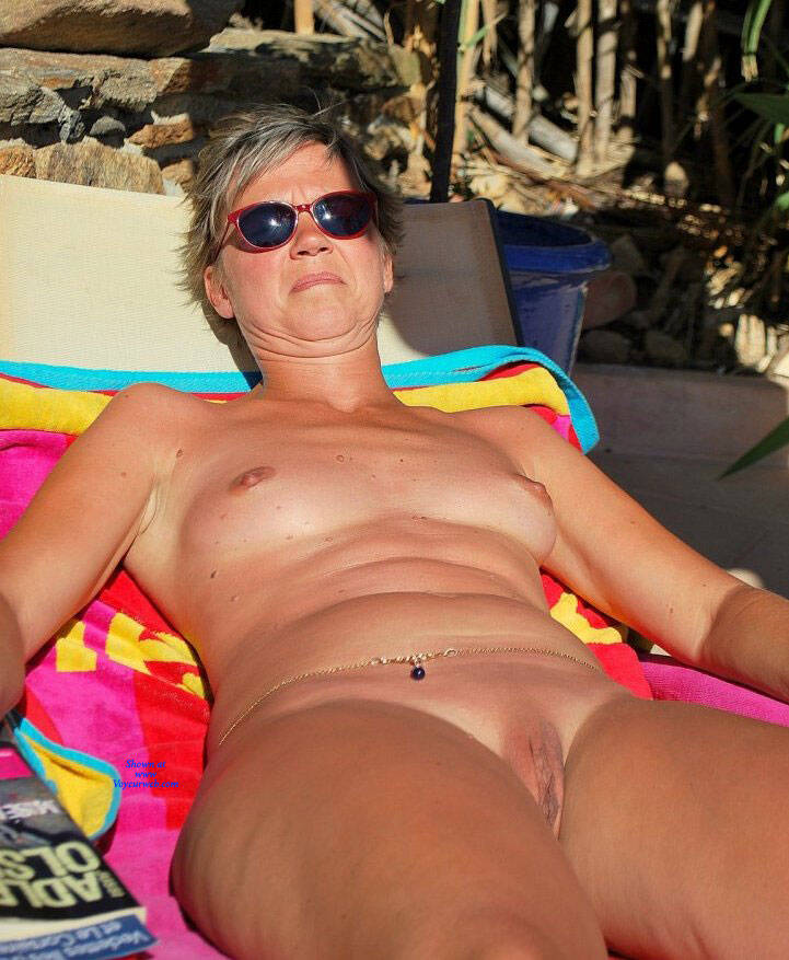 Pic #10 En Vacances - Nude Amateurs, Outdoors, Shaved