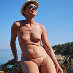 En Vacances Suite - Nude Amateurs, Beach, Outdoors, Shaved