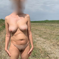 Fede Outside - Nude Amateurs, Mature, Outdoors, Bush Or Hairy