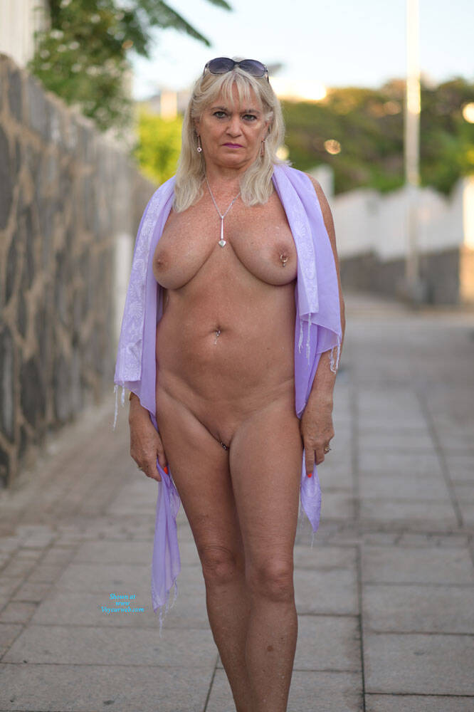 Topless Nude In Englnd Images
