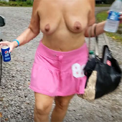 Valet Service - Topless Wives, Big Tits, Outdoors, Amateur