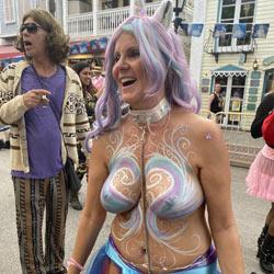 Fantasy Fest - Topless Amateurs, Big Tits, Outdoors, Amateur