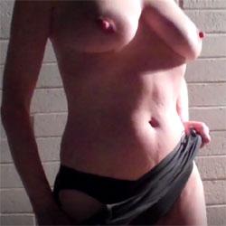 Nipples Everywhere - Nude Girls, Big Tits, Amateur