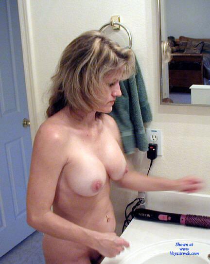 pretty amateur wife nude