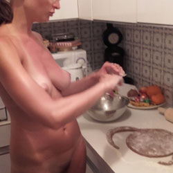 Naked In The Kitchen - Nude Girls, Brunette, Amateur