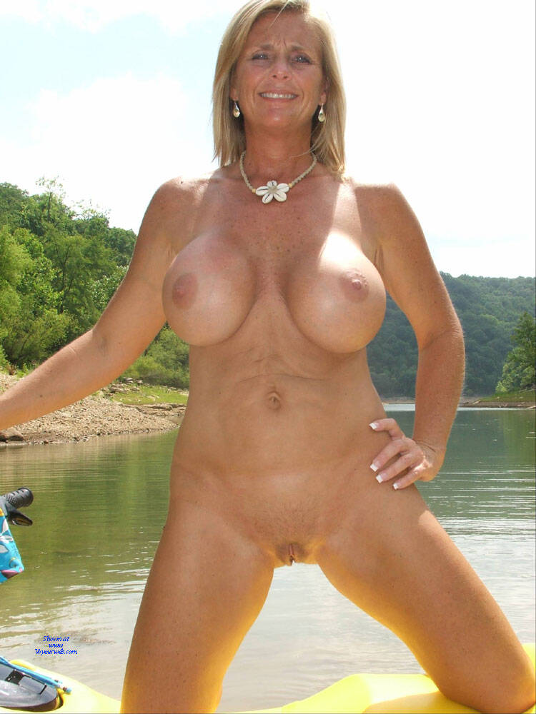 Sex Naked Shaved Milf Pic