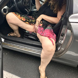 Slowly Getting Out Of The Car - Outdoors, Wife/wives, Shaved, Amateur