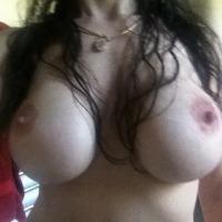Large tits of a neighbor - Jasmine