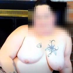Warming Up - Big Tits, Amateur, Tattoos