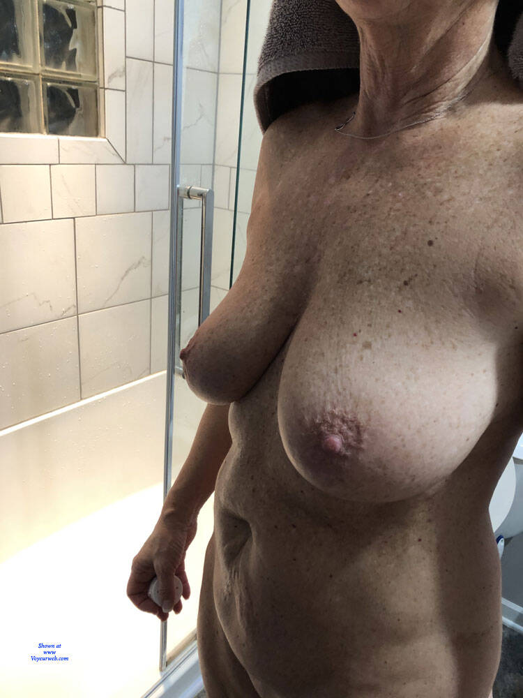 Asian peeing uncensored