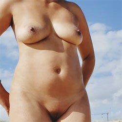 Pretty Woman - Nude Girls, Big Tits, Outdoors, Shaved, Amateur