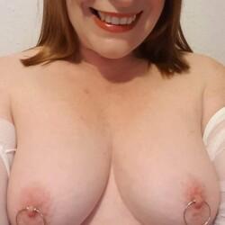 My medium tits - sexylondonmilf
