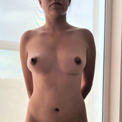 Medium tits of my wife - Elize