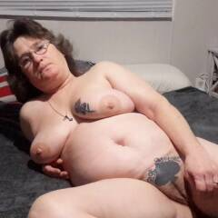 Sexylilbbcwhore - Nude Girls, Big Tits, Brunette, Amateur, Tattoos