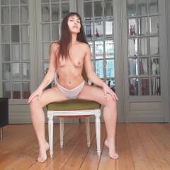 Twerk For You - Nude Girls, Brunette, Bush Or Hairy, Amateur, Medium Tits