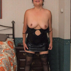 Stockings And Heels - Wives In Lingerie, High Heels Amateurs, Mature, Amateur, Stockings Pics