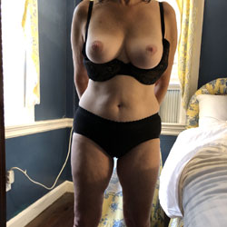 Getaway - Wives In Lingerie, Big Tits, Lingerie, Mature, Amateur