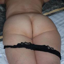 Leah's Ass For You - Mature, Amateur