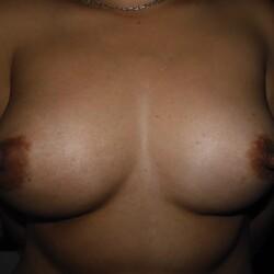 Medium tits of my wife - Elize