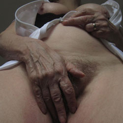 Love A Low Cut Bra - Big Tits, Mature, Wife/wives, Amateur