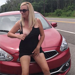 Had To Squirt - Big Tits, Blonde, High Heels Amateurs, Outdoors, Amateur