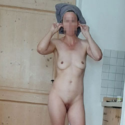 On Vacation - Nude Wives, Shaved, Amateur, Medium Tits, Mature