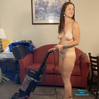 On The Job - Nude Girls, Big Tits, Brunette, Amateur
