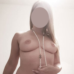 Give Me Your Opinion - Topless Girls, Big Tits, Amateur