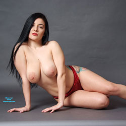 Nude - Nude Girls, Big Tits, Brunette, Lingerie, Amateur, Tattoos