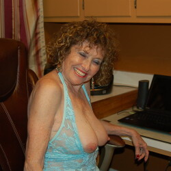 My medium tits - Playmate72