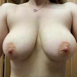 Medium tits of my girlfriend - My babe