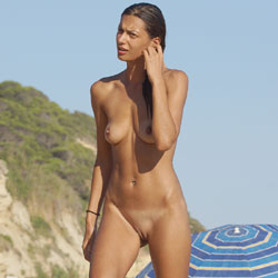 Slim Tanned Brunette - Nude Girls, Beach, Brunette, Outdoors, Shaved, Medium Tits, Beach Voyeur