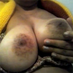 plays - Topless Amateurs, Big Tits, Flashing, Natural Tits