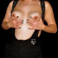 My medium tits - Bobby