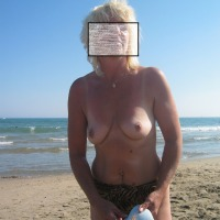 My medium tits - topless