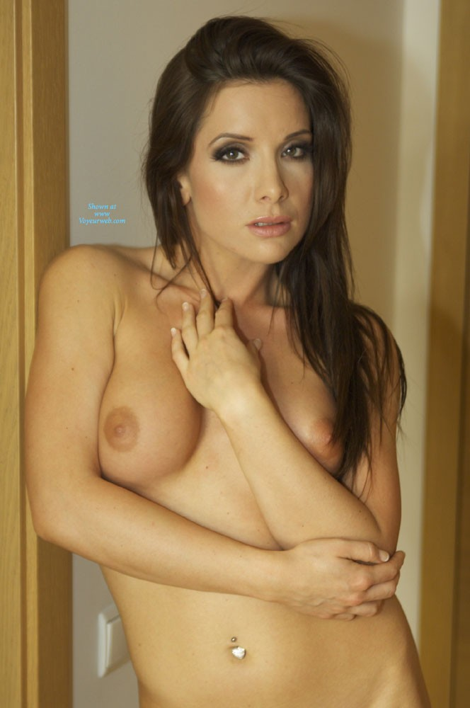 Pic #1 - Nudes on The Floor - Brunette Hair , Sexy Gia Is Posing Nude For VW