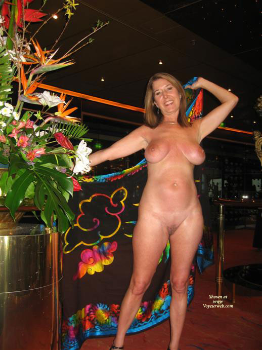 Pic #1 - Nude On The Cruise Ship